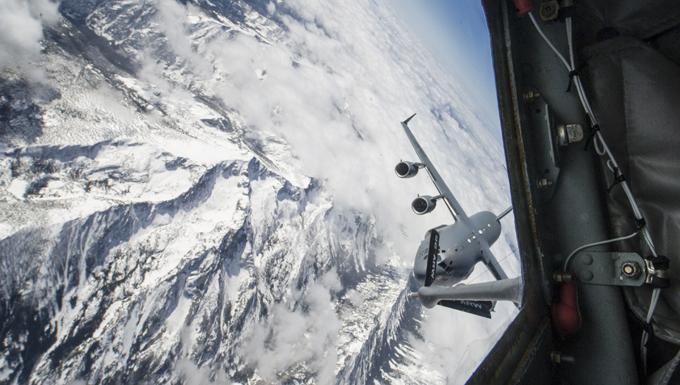 A KC-135 Stratotanker refueling a C-17 Globemaster